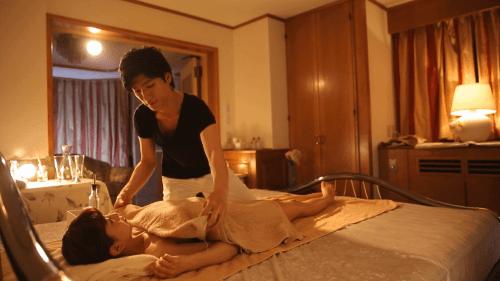 有馬芳彦 女性向けマッサージ salon NATSUNO18